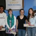 Les gagnants locaux: Martino Vidot et Gabrielle Bergeron du projet «Itinéraire éco-responsable» ainsi que Virginie Lacroix et Roxanne Sévigny du projet «Imajuscule».