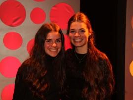 Les sœurs Samie et Lily Cloutier gagnantes de la finale locale de Cégeps en spectacle.