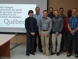 Antoine Gagné du programme Informatique de gestion en compagnie de ses collègues en stage au CIUSSS MCQ à Trois-Rivières